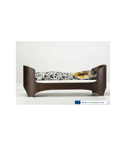 leander dark brown wood junior bed with black and white sheets, made in the european union